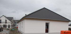beinahe zeitgleich werden die beiden Häuser in Oberndorf gebaut .